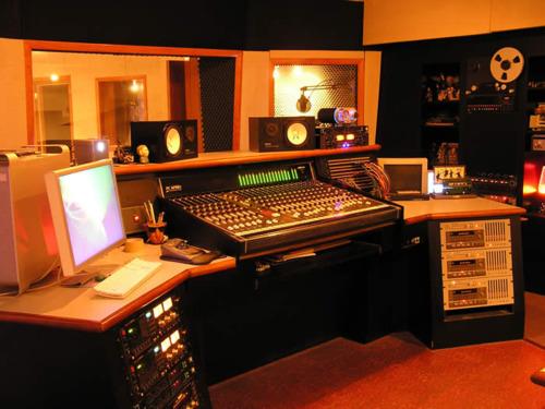 http://www.beatmakingentertainment.com//HLIC/095306fa5c3f1f34b680b2d32d89a535.jpg