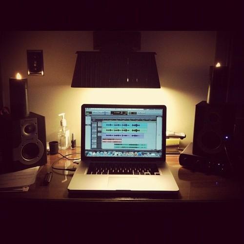 http://www.beatmakingentertainment.com//HLIC/2aa9d5c65c0aa82e749f8160df32ba95.jpg