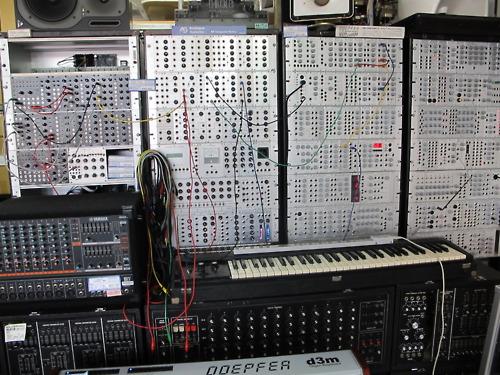 http://www.beatmakingentertainment.com//HLIC/640dbd24c6b4940b2144955a2daa076e.jpg