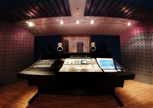 http://www.beatmakingentertainment.com//HLIC/7c1d9cb2f212ff8edc0478e6c07bd670.jpg