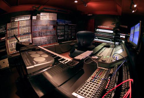 http://www.beatmakingentertainment.com//HLIC/805aa060f00f493bd56a6c45b62262f3.jpg