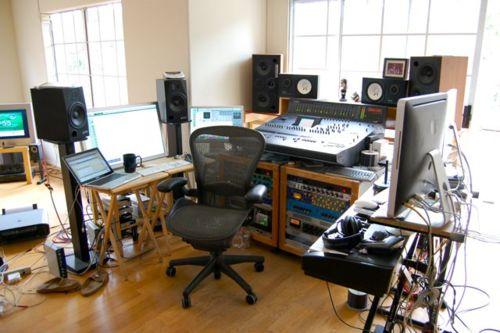 http://www.beatmakingentertainment.com//HLIC/a1e2b244e3588201baab6590558f66ef.jpg