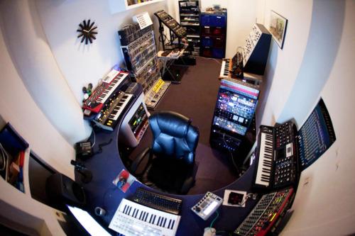 http://www.beatmakingentertainment.com//HLIC/a5e8d8ffec0bea8316043a2cfd79660c.jpg