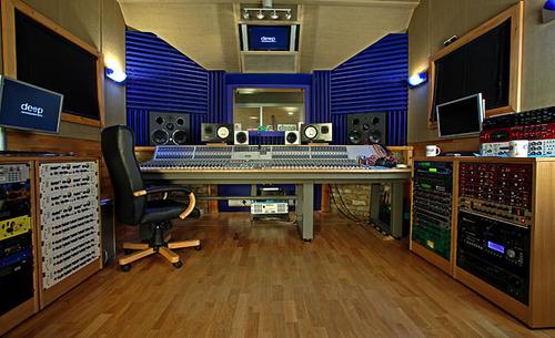 http://www.beatmakingentertainment.com//HLIC/c0601666e2f1dcf43e01ede1e7a3b66f.jpg