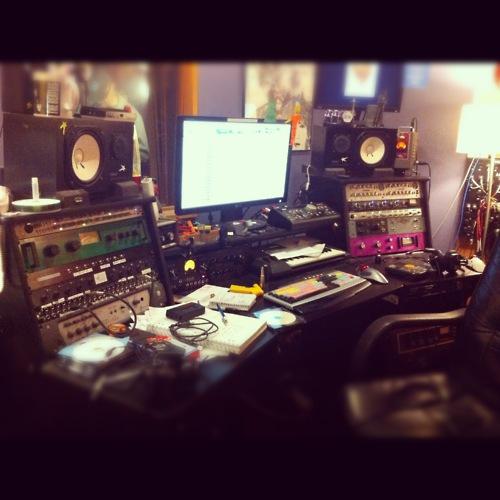 http://www.beatmakingentertainment.com//HLIC/d0cf4afe43e81829dece1afc46d1aad0.jpg