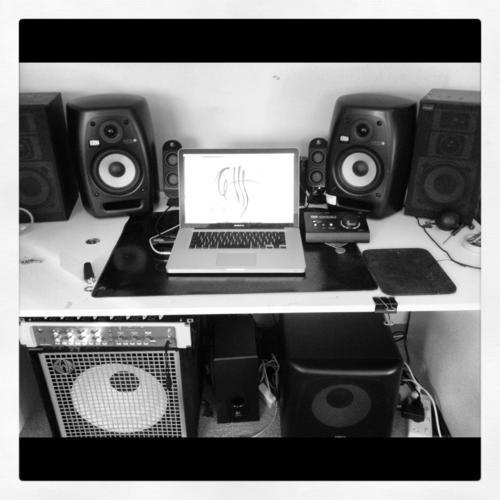 http://www.beatmakingentertainment.com//HLIC/e950a67e8a79618d1a286eb0c8e8cc03.png